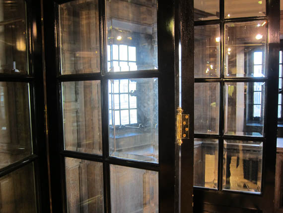 Folded Wall of Glass Doors at Liberty´s London December 2012